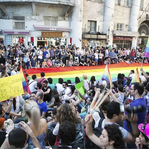 Marden-Smith-Gay-Pride-Istanbul-001